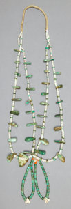 American Indian Art:Jewelry and Silverwork, A PUEBLO TURQUOISE AND SHELL NECKLACE. c. 1930...