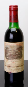Red Bordeaux, Chateau Lafite Rothschild 1982 . Pauillac. vhs, hbsl.Half-Bottle (1). ... (Total: 1 Half. )