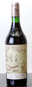 Red Bordeaux, Chateau Haut Brion 1982 . Pessac-Leognan. hbsl, hwasl, cucto reveal branded cork. Bottle (1). ... (Total: 1 Btl. )
