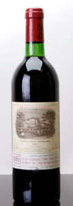 Red Bordeaux, Chateau Lafite Rothschild 1982 . Pauillac. bn, lbsl, lcc.Bottle (1). ... (Total: 1 Btl. )