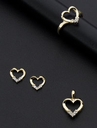 Diamond & Gold Heart Jewelry Suite