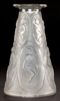AN R. LALIQUE GLASS CAMEES VASE Lalique, France, circa 1923 Marks: R. LALI